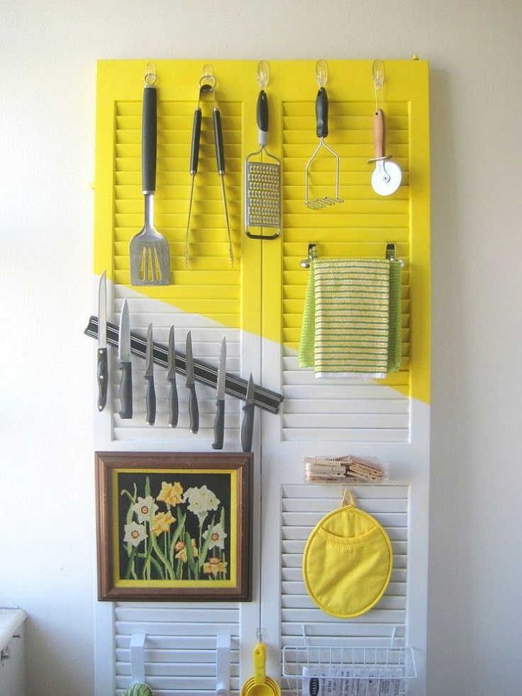 Organize-your-kitchen-on-a-door
