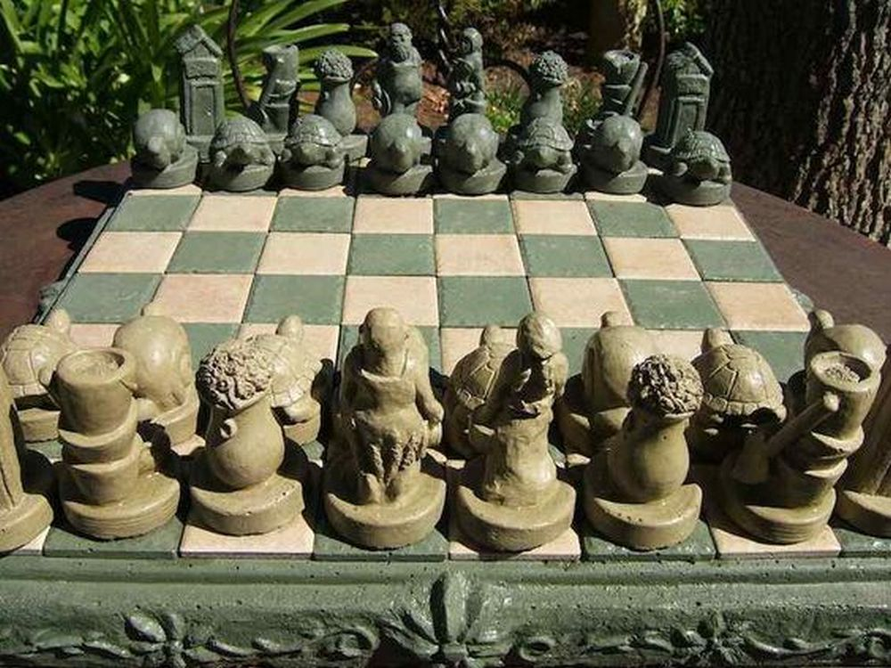 Outdoor-Chess-Board-03