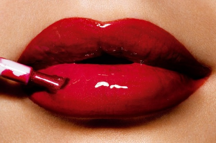 Over-Glossy-Lips