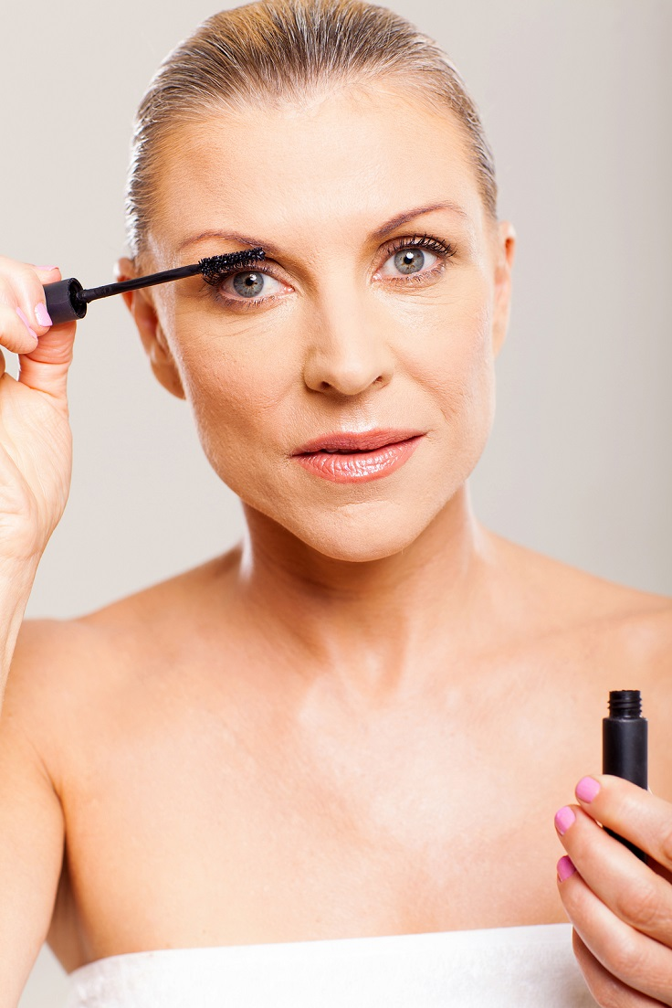 ... top 10 makeup tips that make you look younger ...