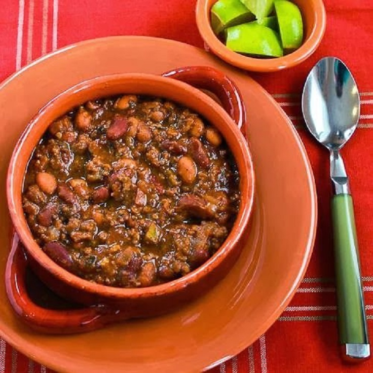 Slow-Cooker-Beef-and-Refried-Bean-Chili-with-Salsa-and-Lime