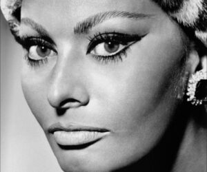 Top 10 Make-up Looks Inspired by The 60's