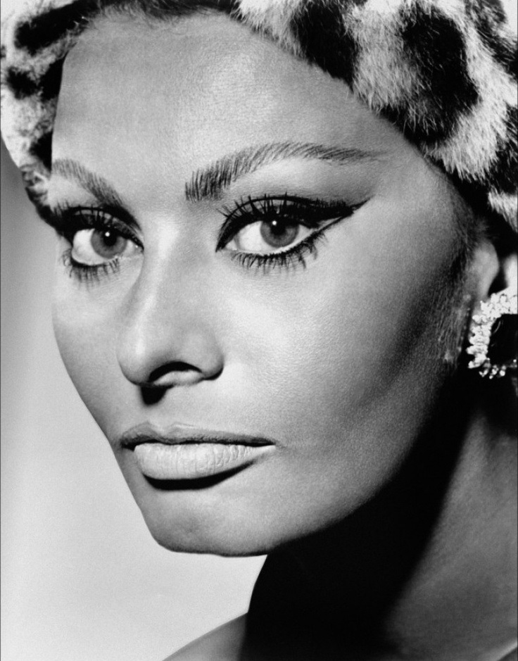 Sophia-Loren-cat-eye-makeup