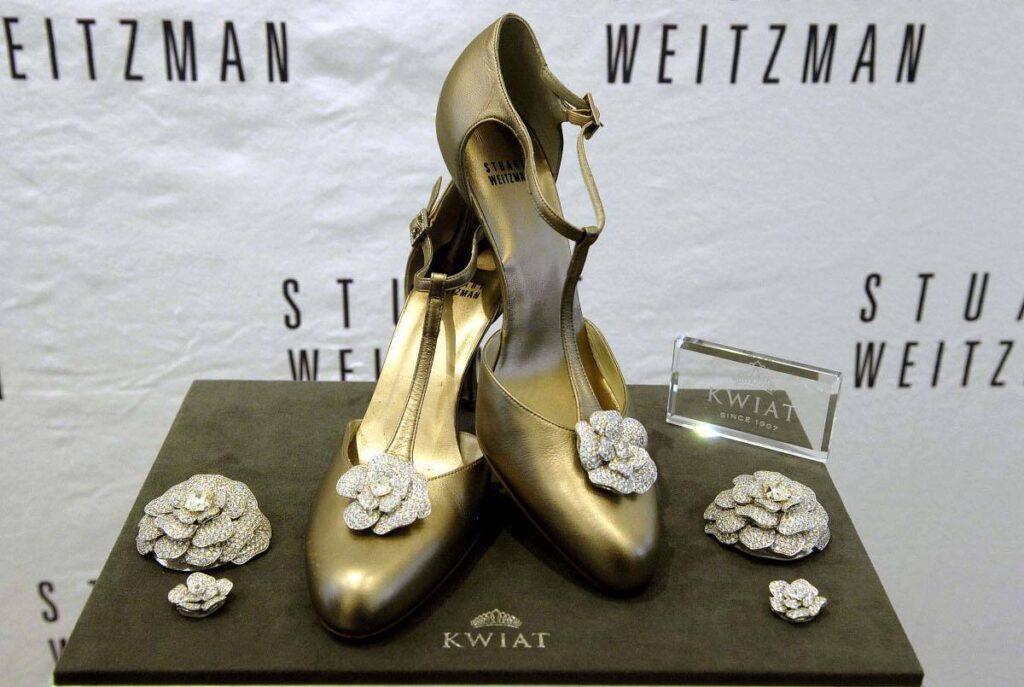 Stuart-Weitzman-Retro-Rose-Pumps-1024x687