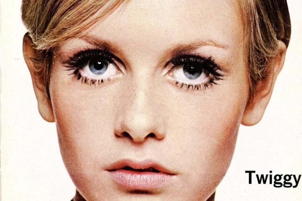 Twiggy-Big-Eyelashes--1024x684
