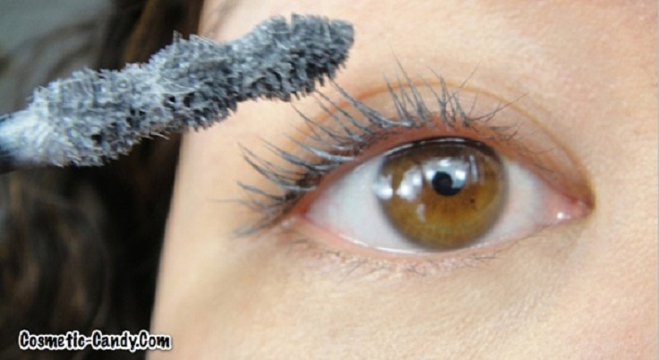 Use White mascara Primer