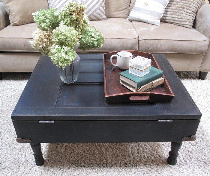 Vintage-Door-Coffee-Table-with-Pallet-wood-interior-700x588-1