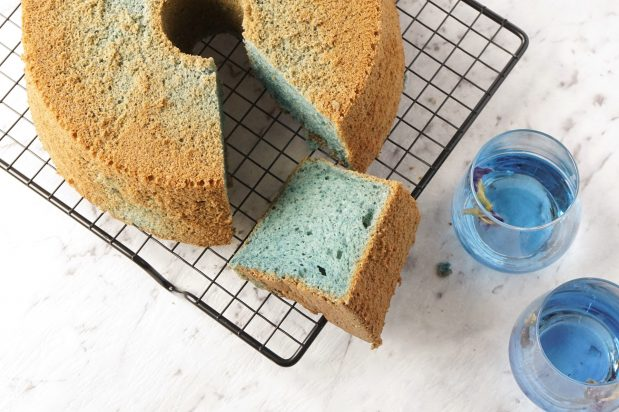 blue-chiffon-cake-