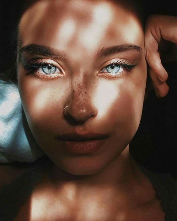 blue-eyes-in-the-shadow-