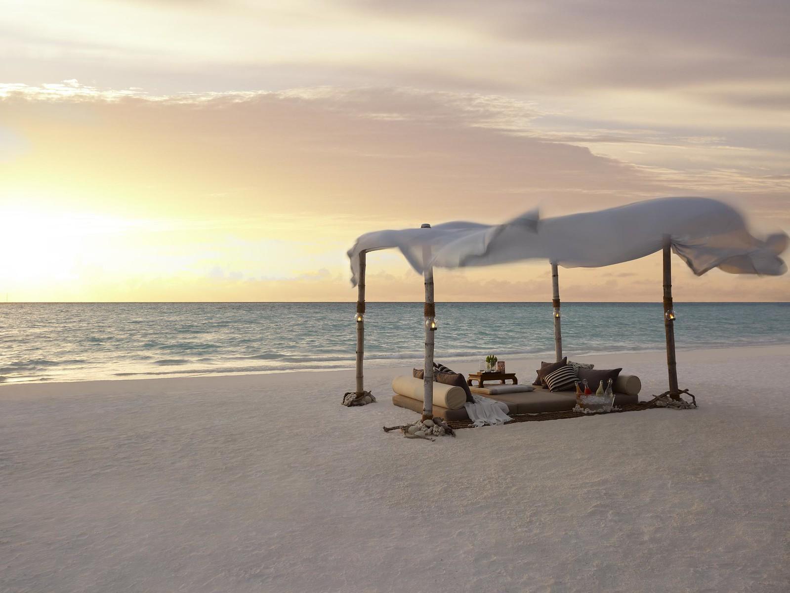 cabanas-in-the-Maldives-