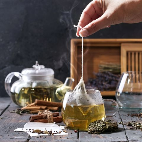 drinking-green-tea-in-the-morning-