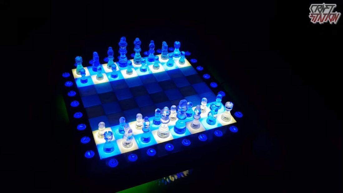 epoxy-resin-chess-set-dark-1100x618-1