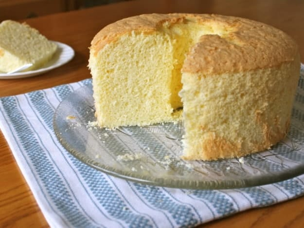 gluten-free-chiffon-cake-