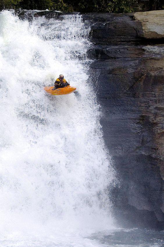 kayaking-on-the-edge-