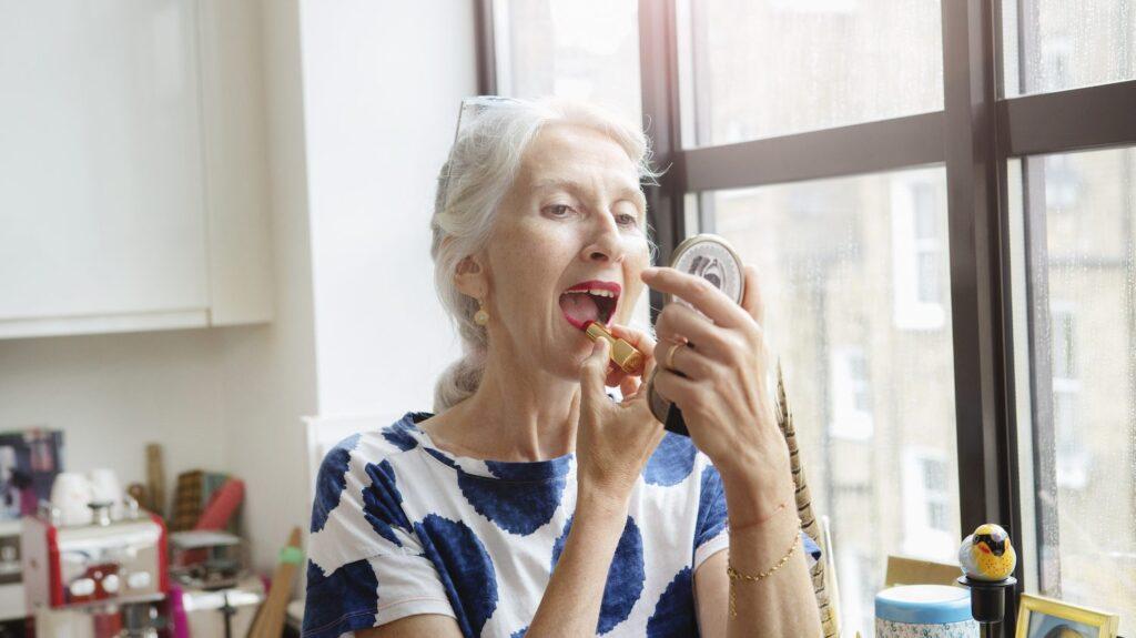 lipstick-for-mature-woman--1024x575