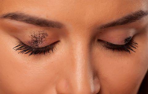 mascara-smudges-