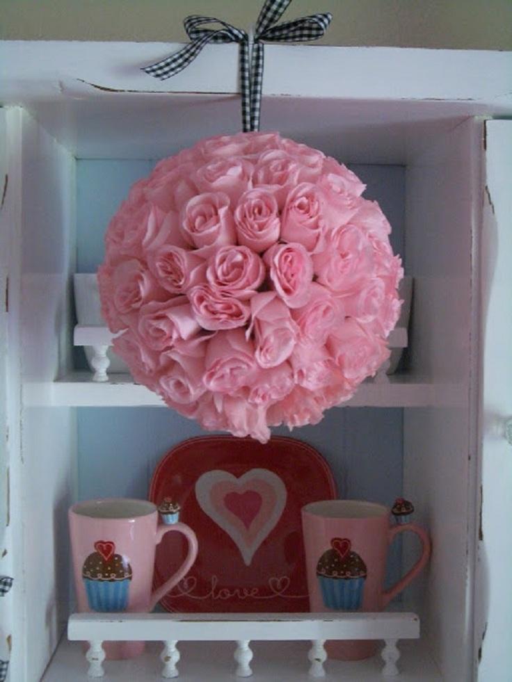 rose-kissing-ball