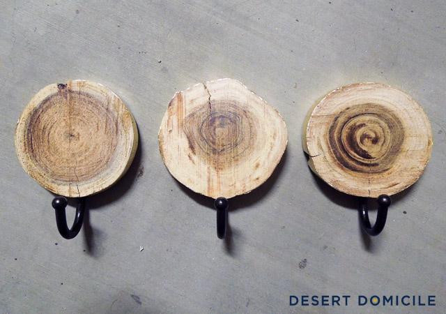 wood-crafts-bathroom-wall-hanger
