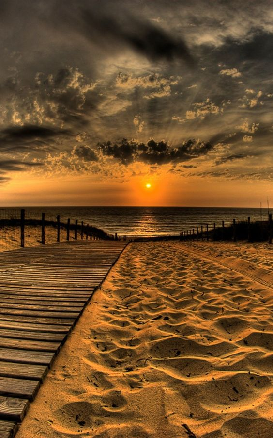 wooden-pat-sunset-
