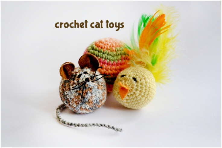 Crocheting-toys-for-cats