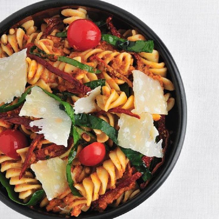 Fusilli-with-Spinach-and-Sun-Dried-Tomato-Pesto