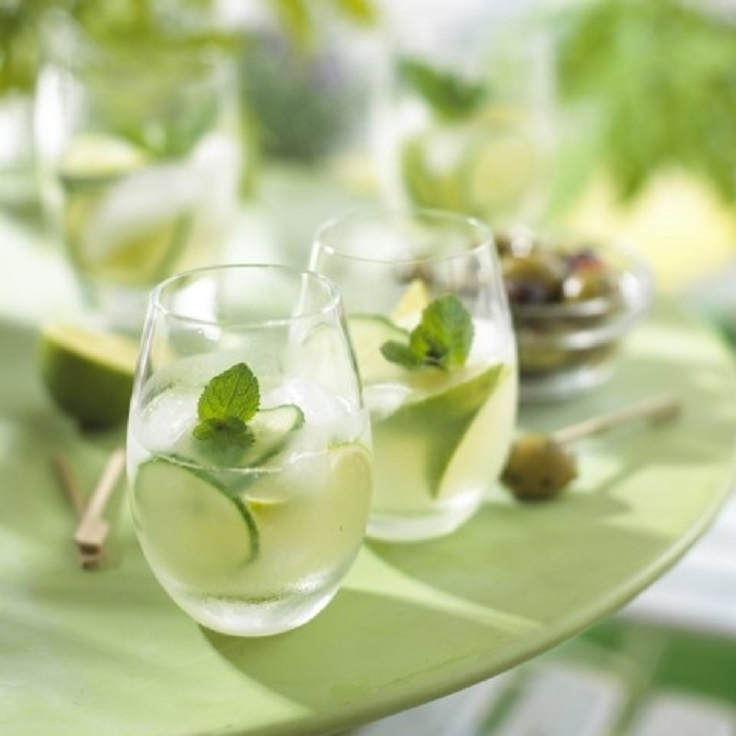 Green-gin-cocktail