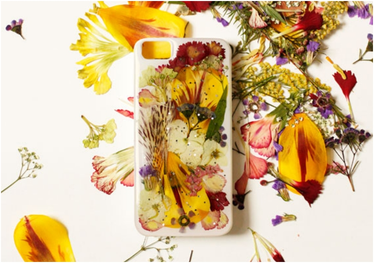 Pressed-Flower-iPhone-Case