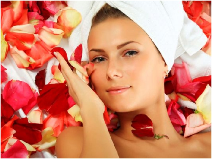 Rose-Petals-Face-Mask-For-Combination-Skin