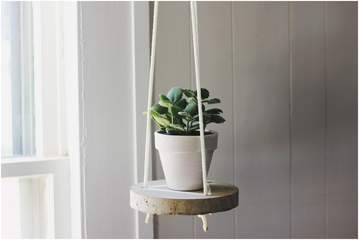Round-Hanging-Cement-Table