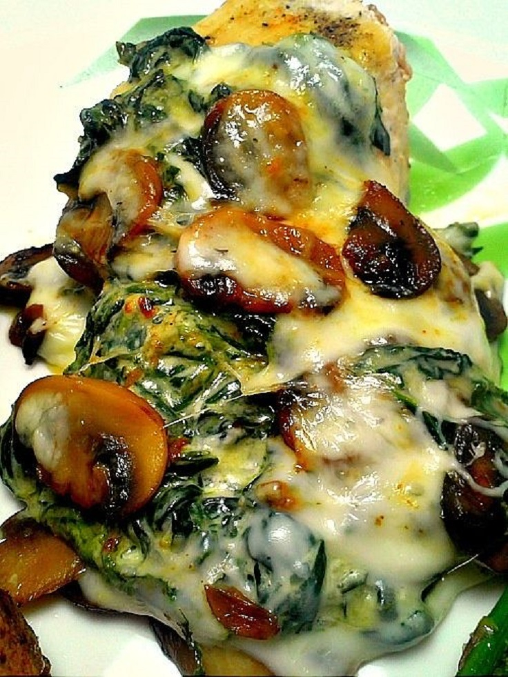 Smothered-Chicken-with-Mushrooms-and-Spinach