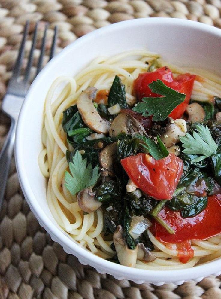 Spaghetti-With-Spinach-in-a-White-Wine-Garlic-Sauce