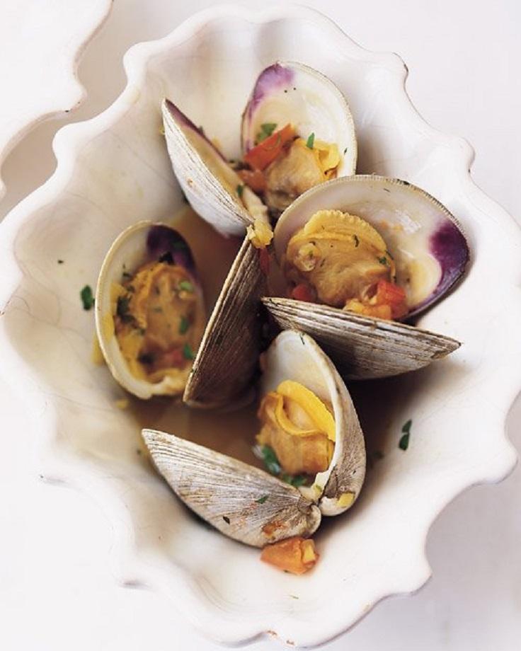 Steamed-Clams-in-Garlic-Saffron-Broth1