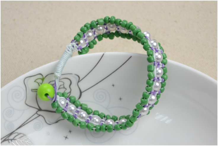 pearl-and-seed-beads-bracelet