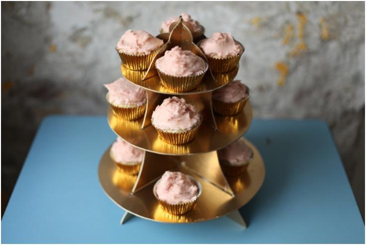Cardboard-Cupcake-Stand