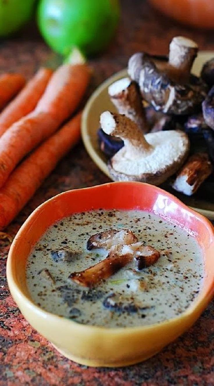 Creamy-Mushroom-Soup-with-Shiitake1