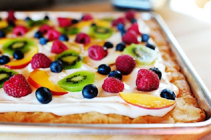 Deep-Dish-Fruit-Pizza