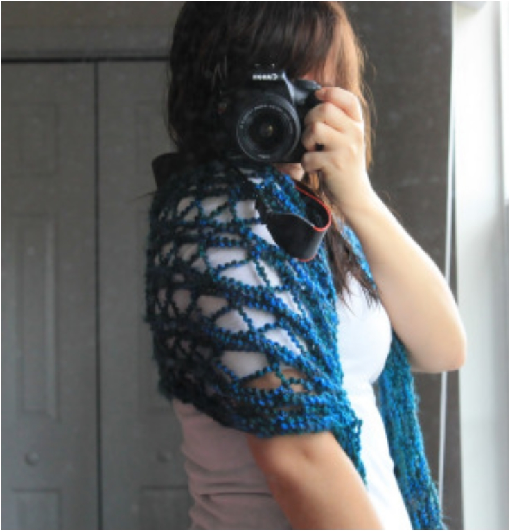Knit-Peek-Hole-Shoulder-shawl