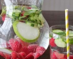Raspberries and Cucumber Detox Water