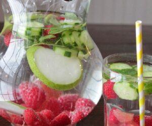 Top 10 Homemade Debloating Drinks