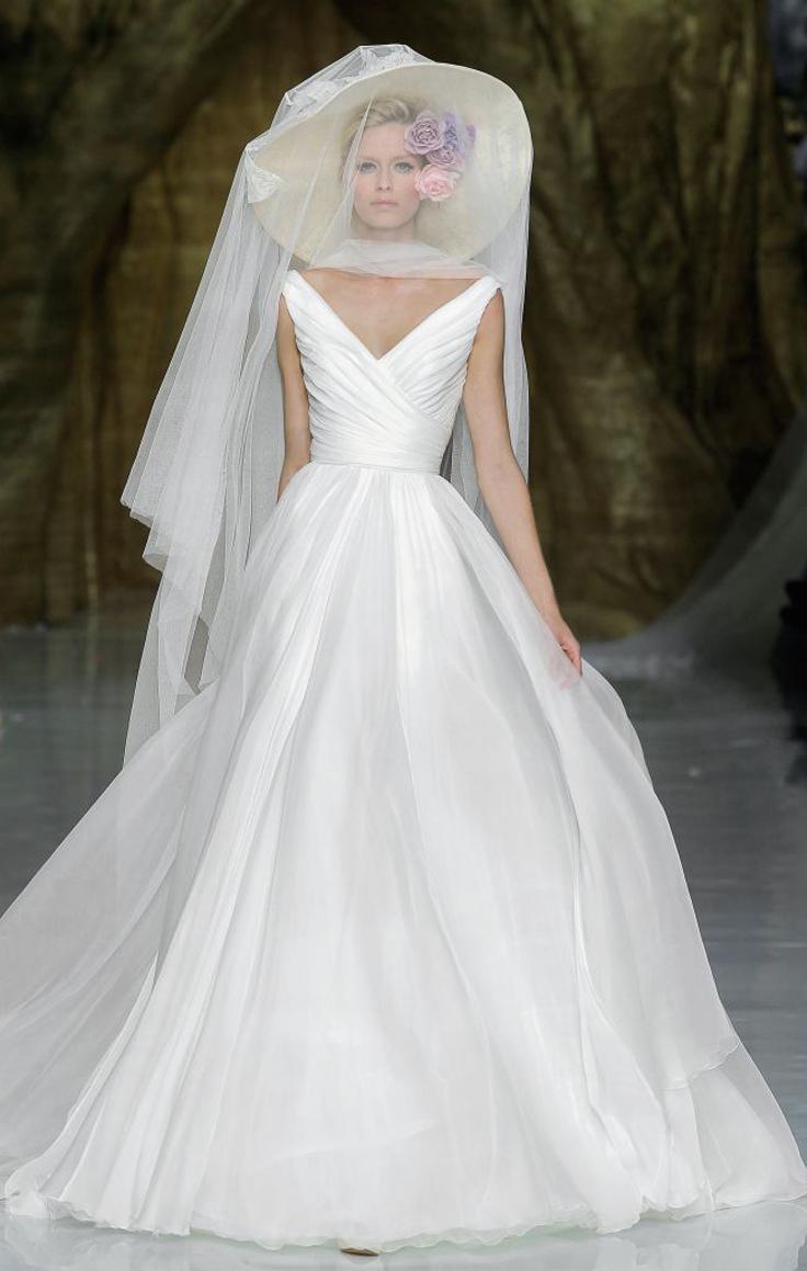 Top-10-ideas-for-your-dream-wedding-dress_07
