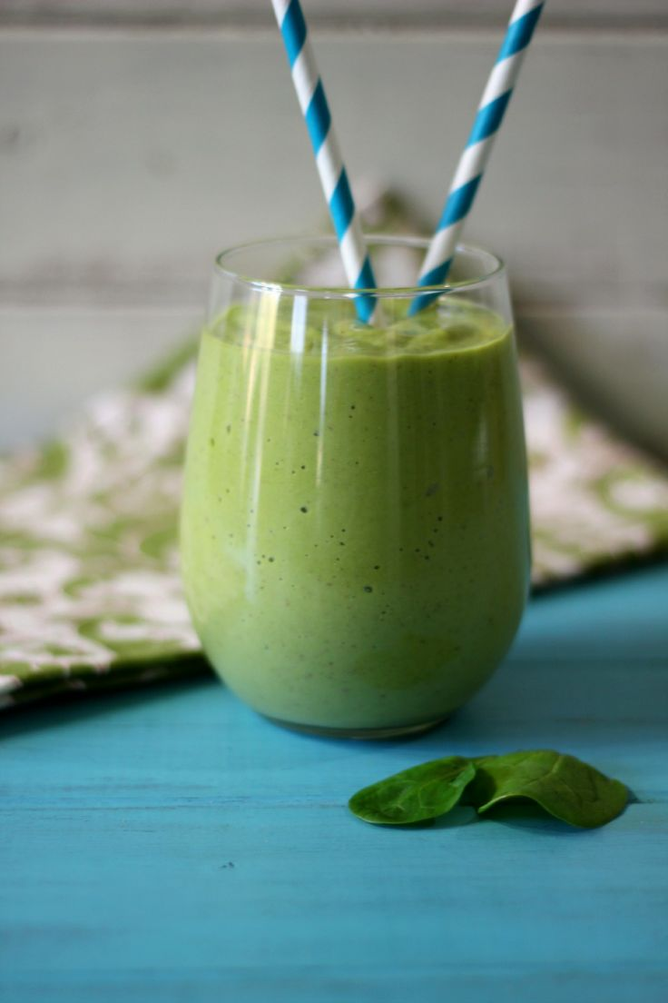 Tropical-Green-Monster-Debloating-Smoothie