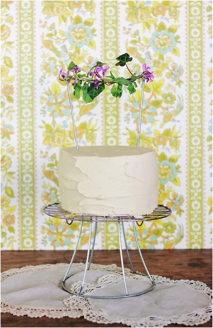 Wire-Cake-Stand