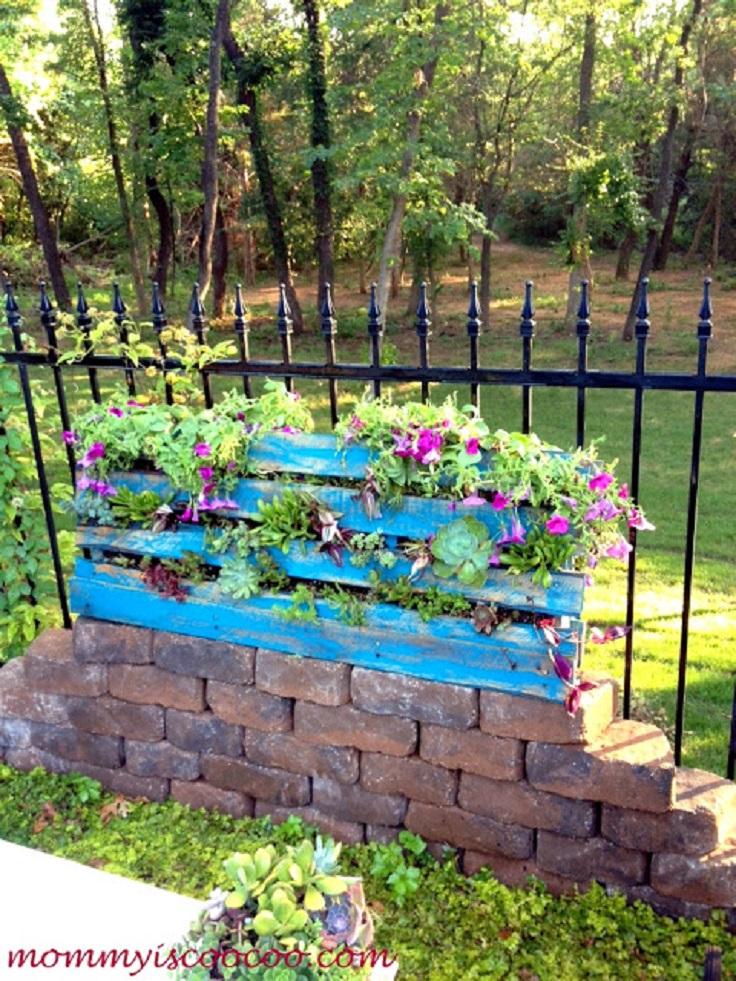 Make-a-Vertical-Garden-from-a-Pallet