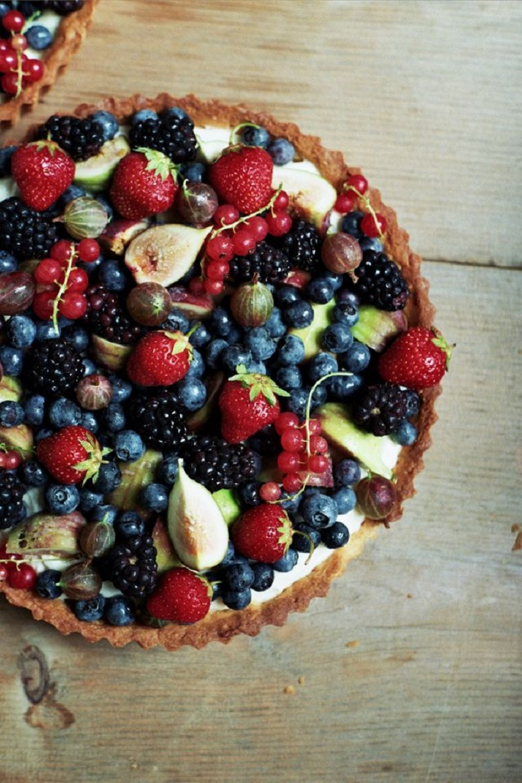 Mascarpone-Cream-Tart-with-Fresh-Fruit