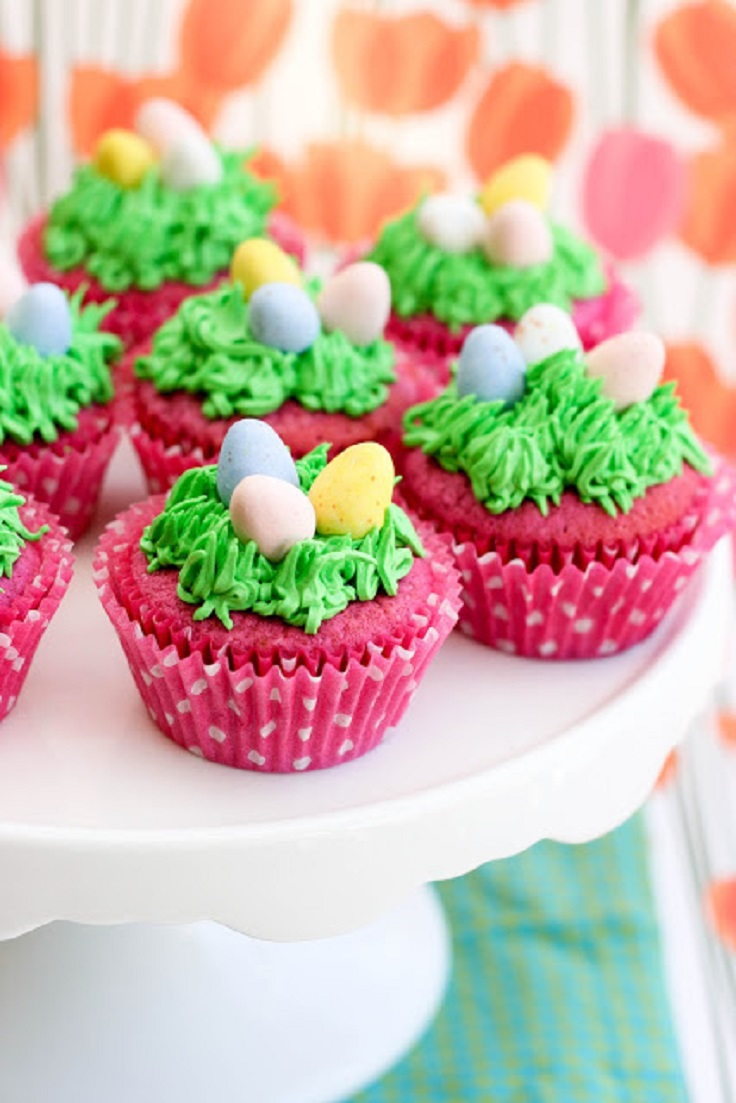 Raspberry-Easter-Egg-Cupcakes