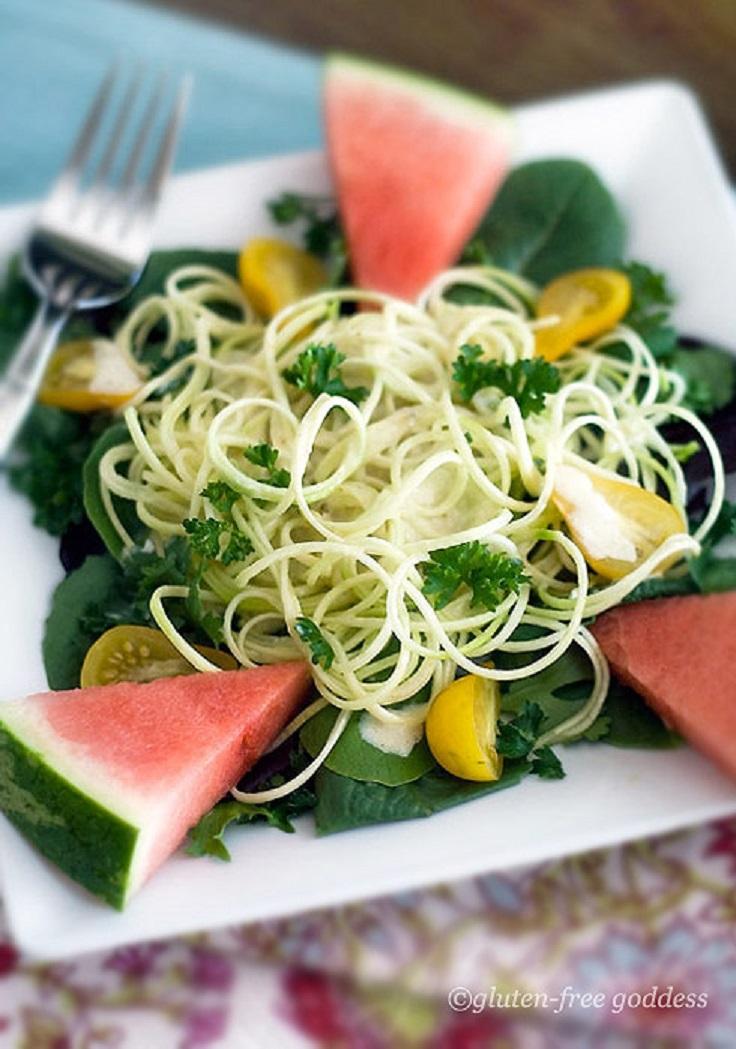 Raw-Zucchini-Pasta-in-a-Vegan-Curry-Cream-Sauce