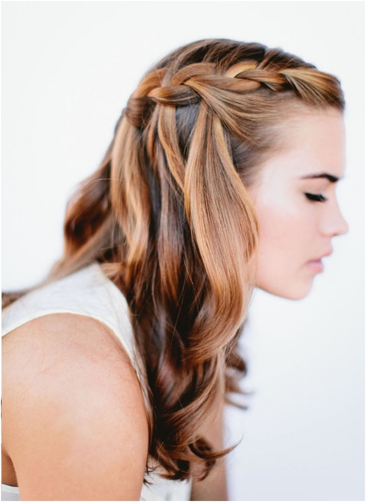 Waterfall-Hairstyle-For-Long-Wavy-Hair