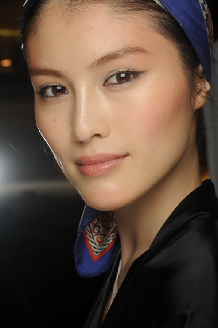 Top 10 Secrets To Get A Natural Makeup Look