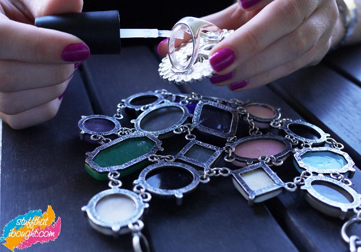Prevent-new-costume-jewelry-from-tarnishing-with-clear-nail-polish