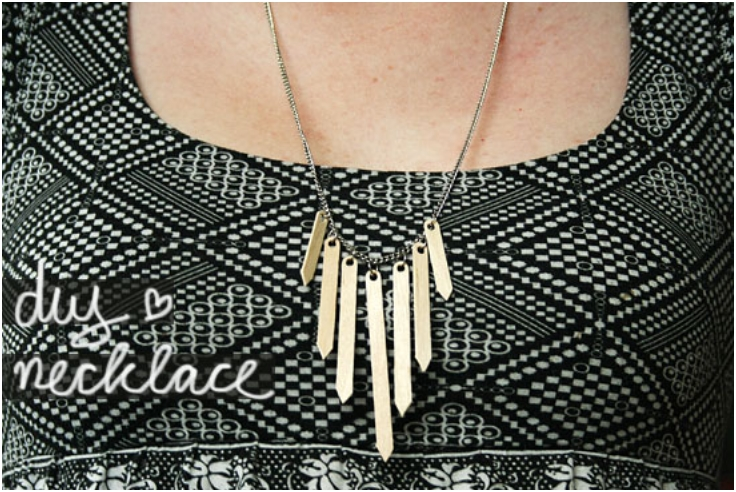 Wooden-Coffee-Stirrers-Necklace